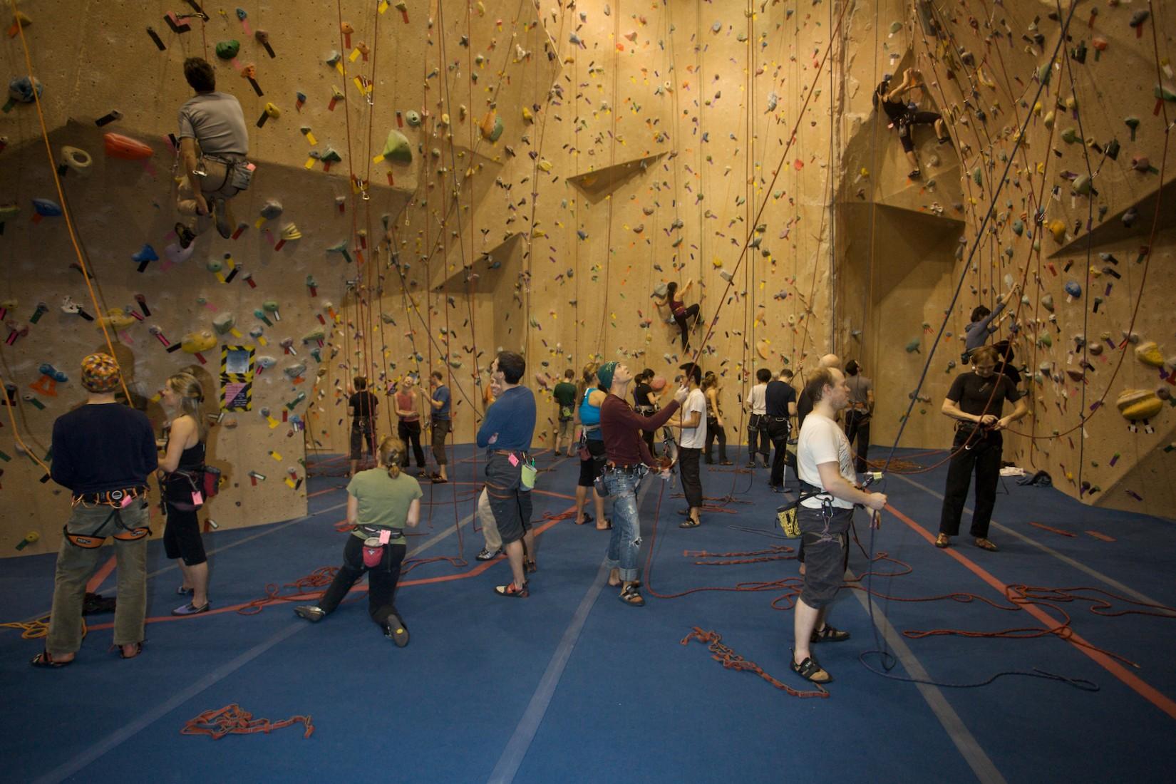indoor climbing vancouver
